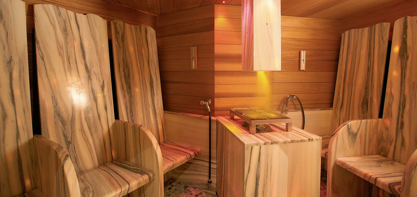 wellness_saunawelt-00_slideshow_wellness-spa-hotel-ermitage-schonried_003.jpg