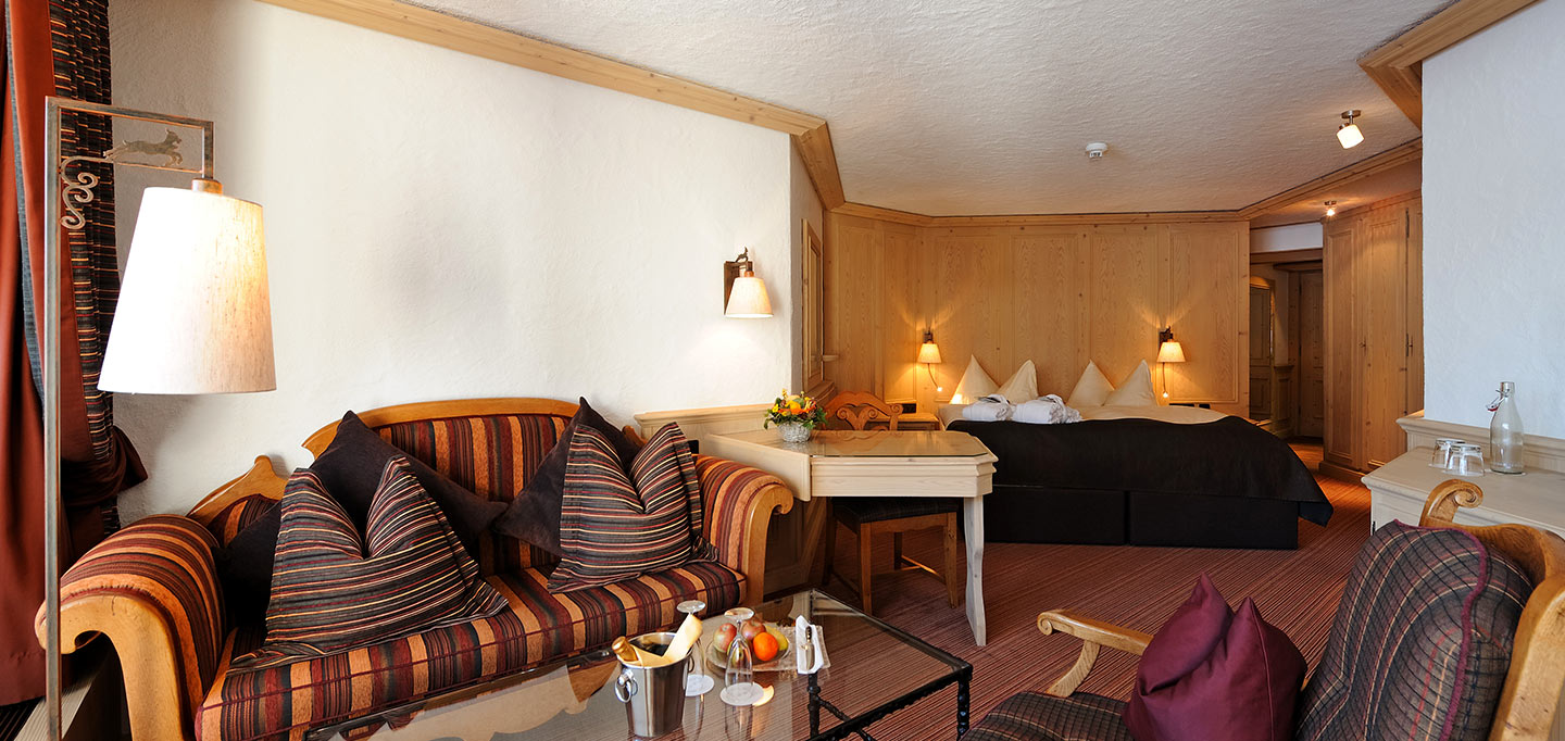 zimmer_Junior-Suite-Gstaad_slideshow_001.jpg