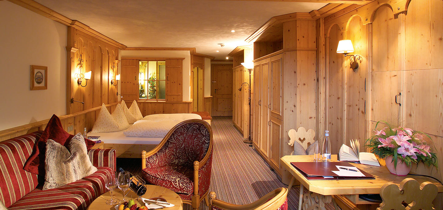 zimmer_Junior-Suite-Gstaad_slideshow_002.jpg